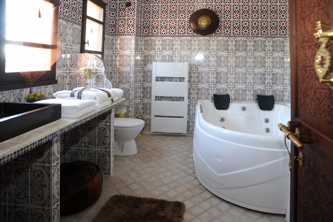 riad cap d agde. Black Bedroom Furniture Sets. Home Design Ideas